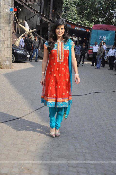 Sunny leone Suit Salwar Photos