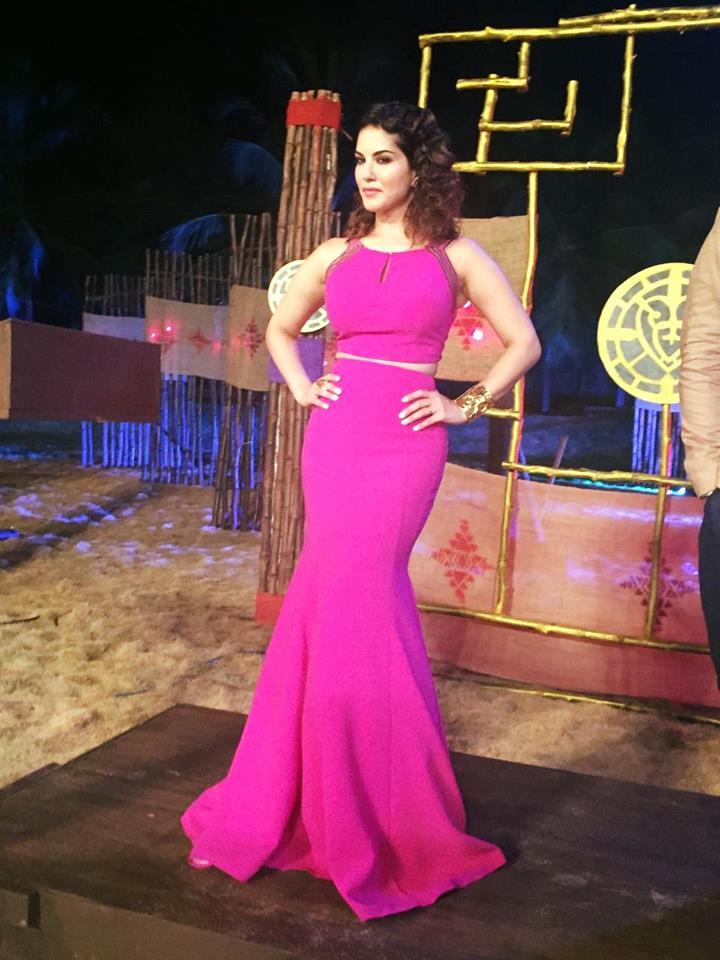 Sunny Leone Pics Pink Dress