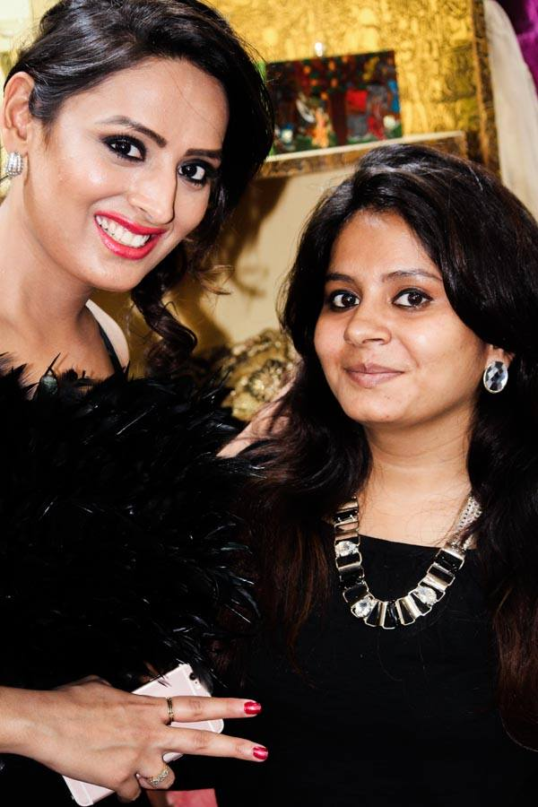 TV Actor Rupa Khurana with Indian Fashion Blogger Yogita Aggarwal