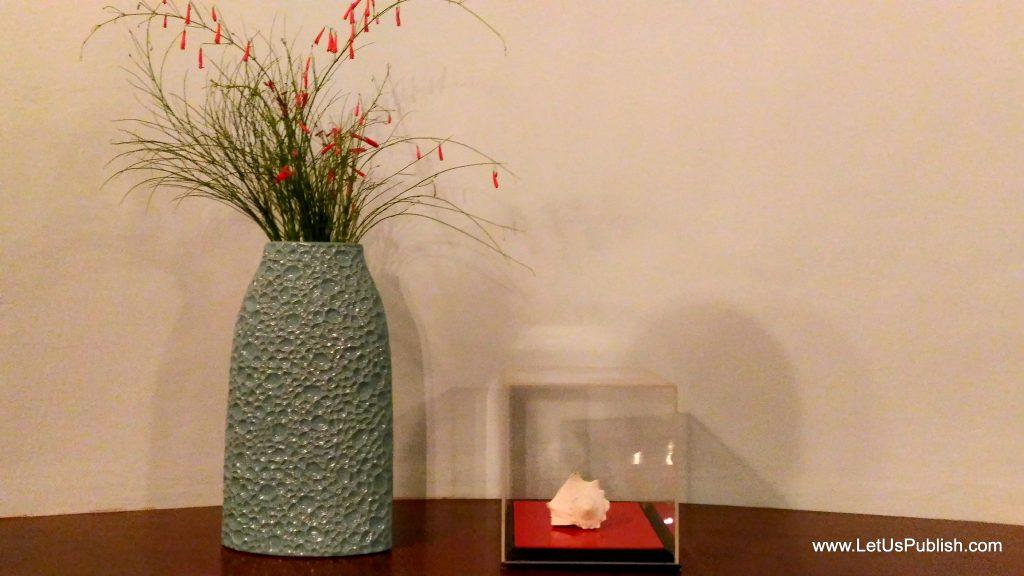 Decorations in Kairali Resorts Room, don't miss Shankh