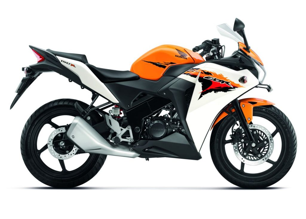 Honda CBR 150R - Best Bikes Below Rs 1.5 Lakhs