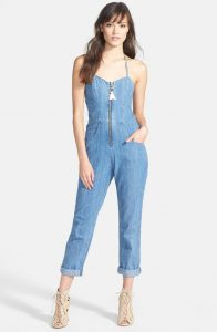 Jean jumpsuit for casual look