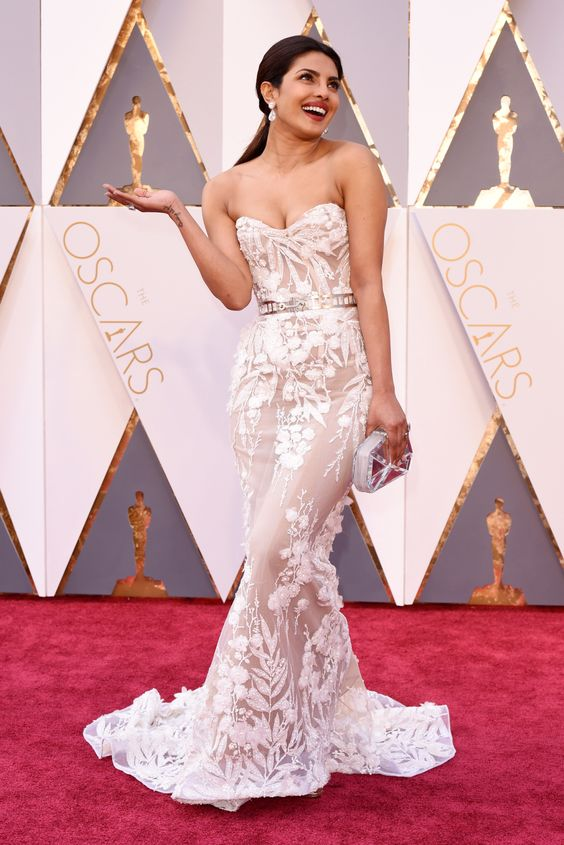 Mandatory Credit: Photo by David Fisher/REX/Shutterstock (5599371bz) Priyanka Chopra 88th Annual Academy Awards, Arrivals, Los Angeles, America - 28 Feb 2016