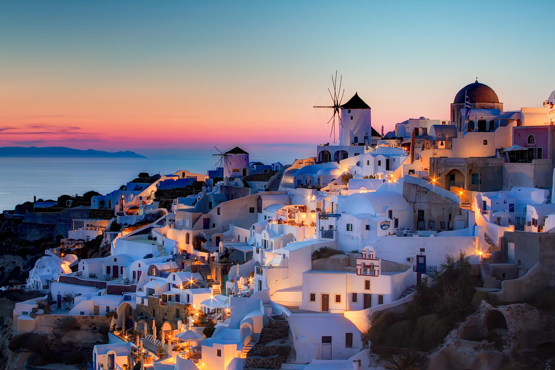 Antorini in Greece is the most romantic getaway of Greece