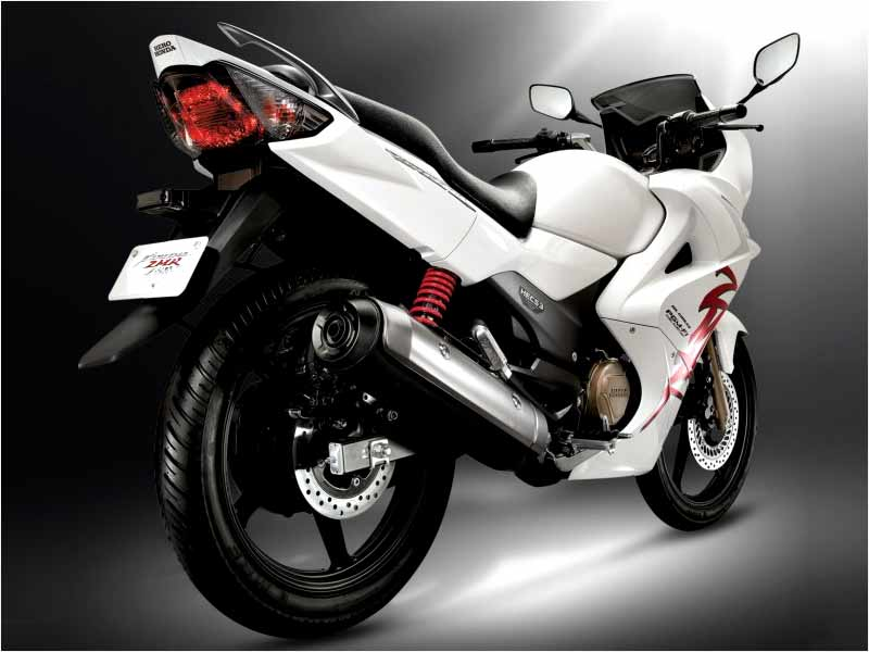 Karizma ZMR - Best Bikes Below Rs 1.5 Lakhs