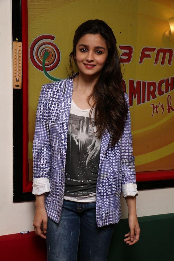 Alia bhatt in blazer fashion