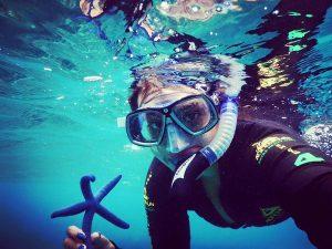 Sonakshi sinha selfie with starfish