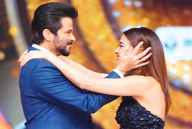 Surveen Chawla with Anil Kapoor at Jhalak Show