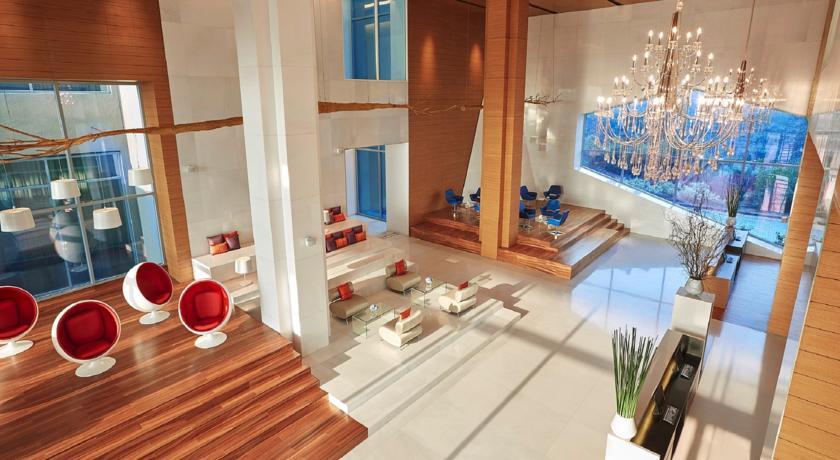 Vivanta by Taj - Top 7 Luxury Hotels near Delhi Airport