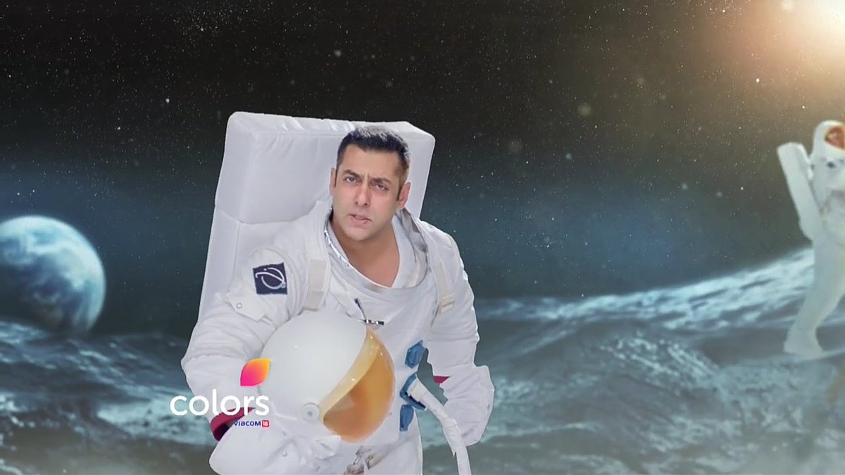 Bigg-Boss-10-Host-Salman-Khan-as-Astronaut