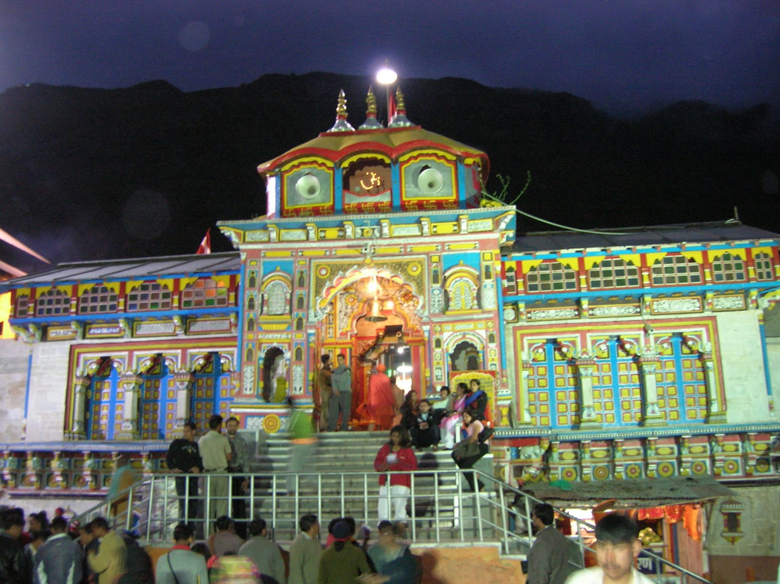 Badrinath Temple - Uttrakhand - Famous Temple In India