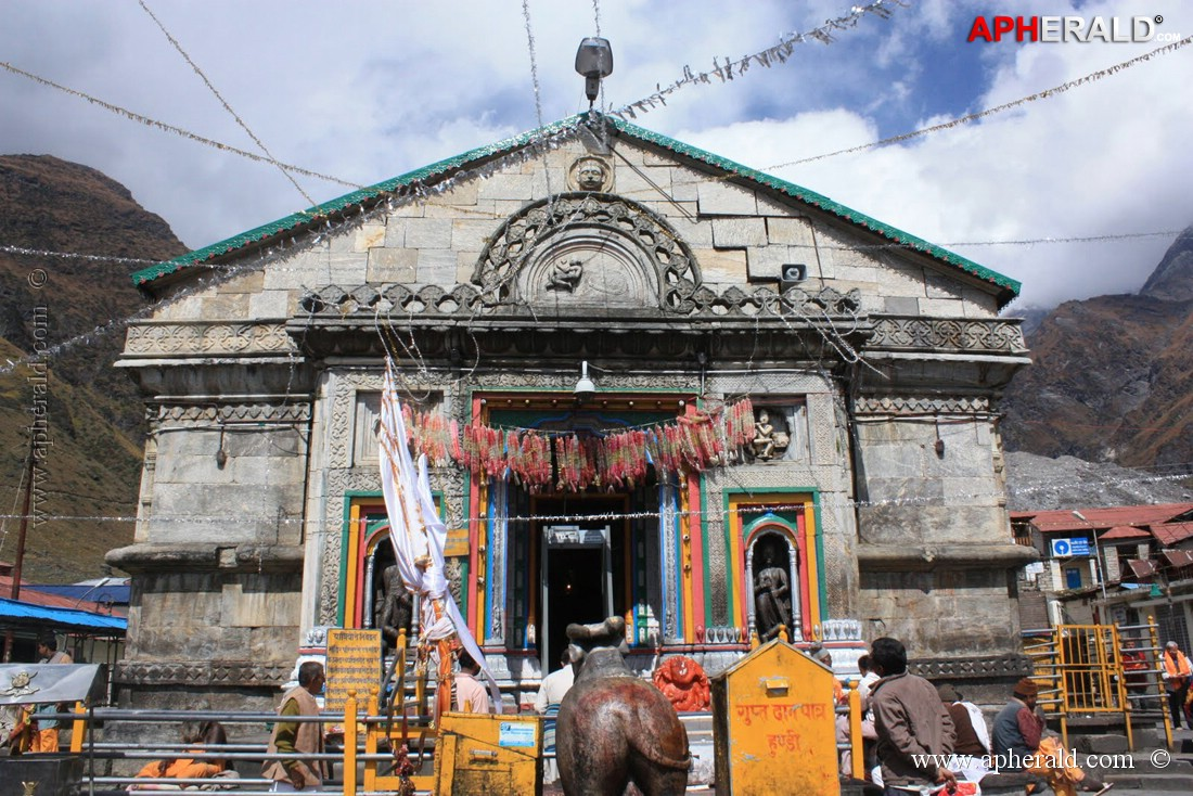 Kedarnath Temple - Uttrakhand - Famous Indian Temple