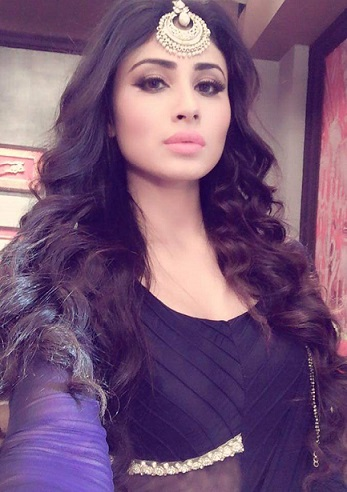 mouni-roy-hd-naagin-girl