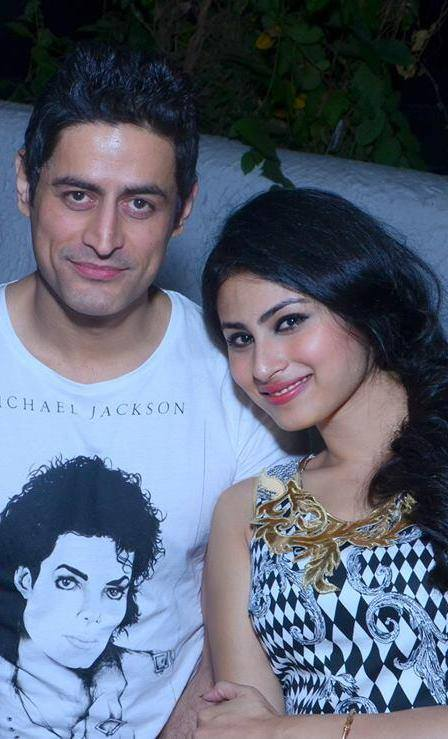 mouni-roy-with-mohit-raina