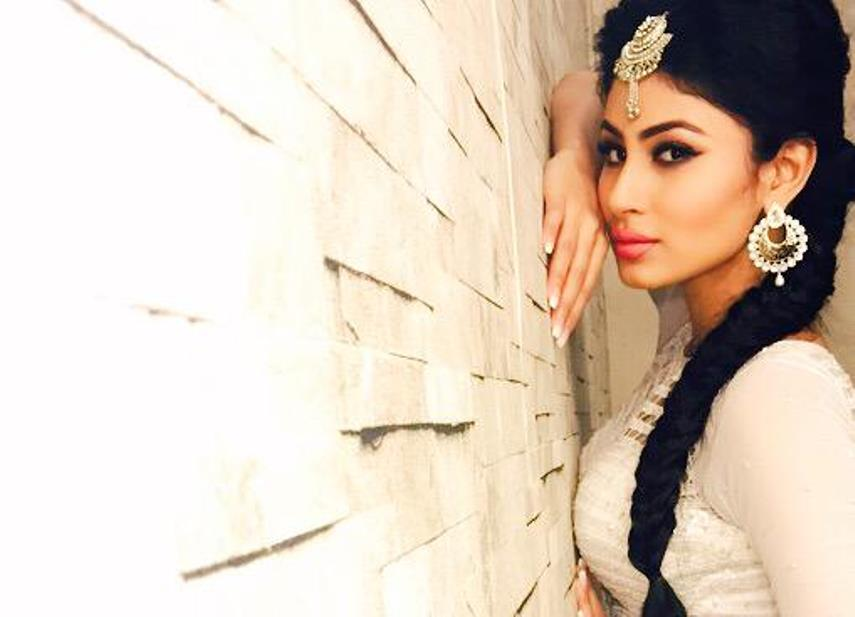 mouni roy and mohit raina relationship help