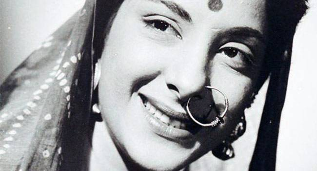 nargis-old-yet-evergreen-actress