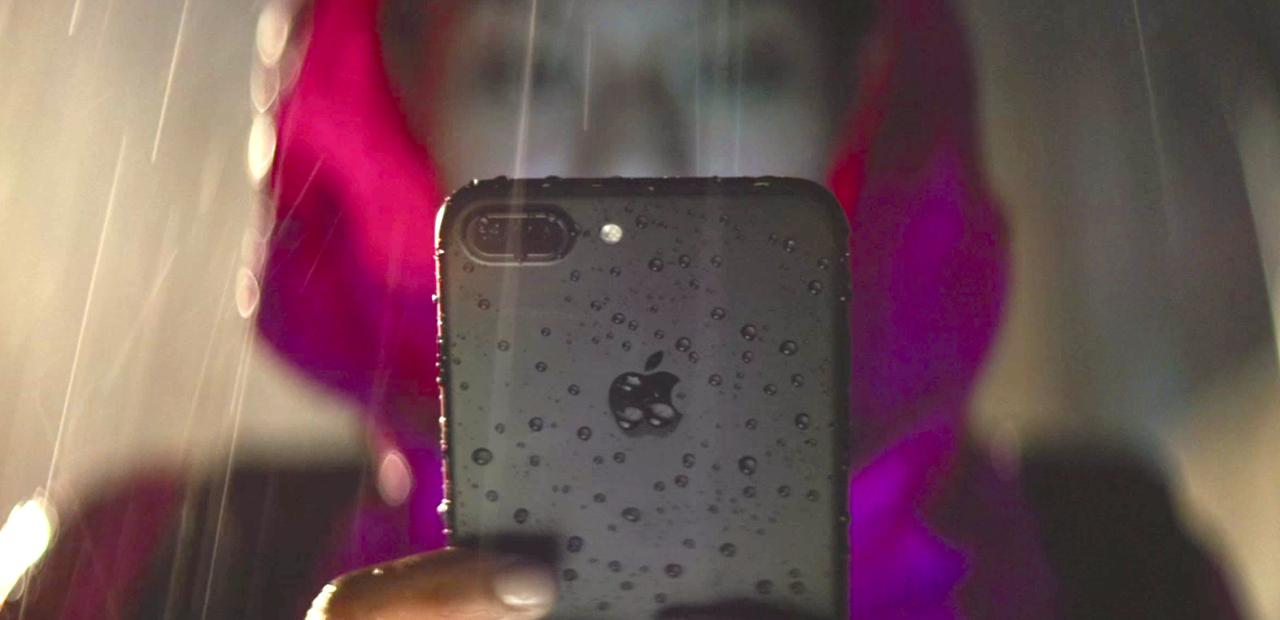 the-iphone-7-is-water-resistant-not-waterproof