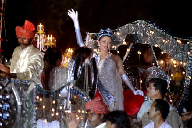 aishwarya-rai-miss-world-crowning-moment
