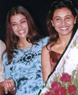 unseen-pictures-of-aishwarya-with-rani-mukherjee