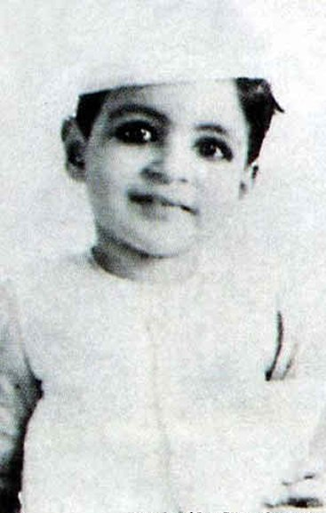 childhood-pictures-of-amitabh-bachchan
