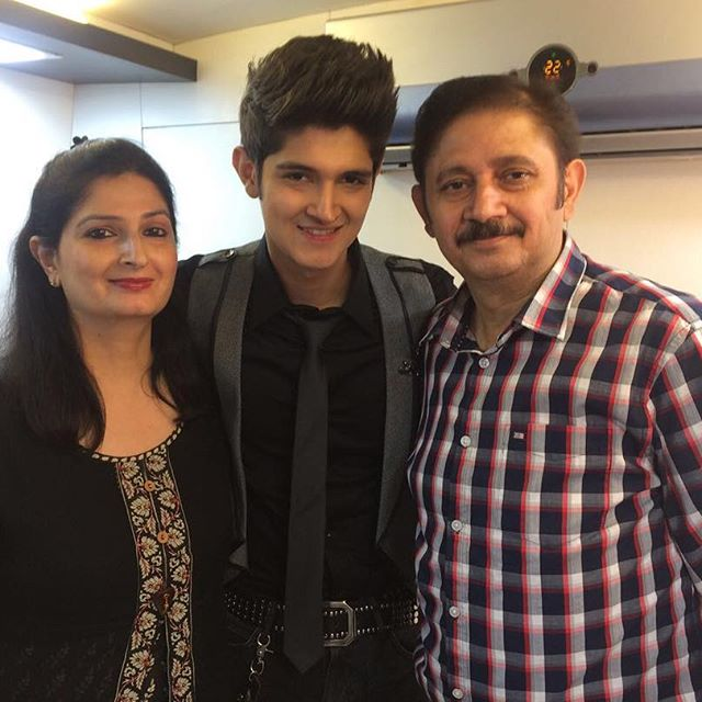 rohan-mehra-family-picture
