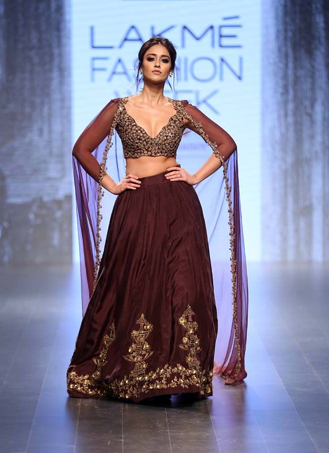 latest-wedding-lehenga-cape-sleeve-lehenga