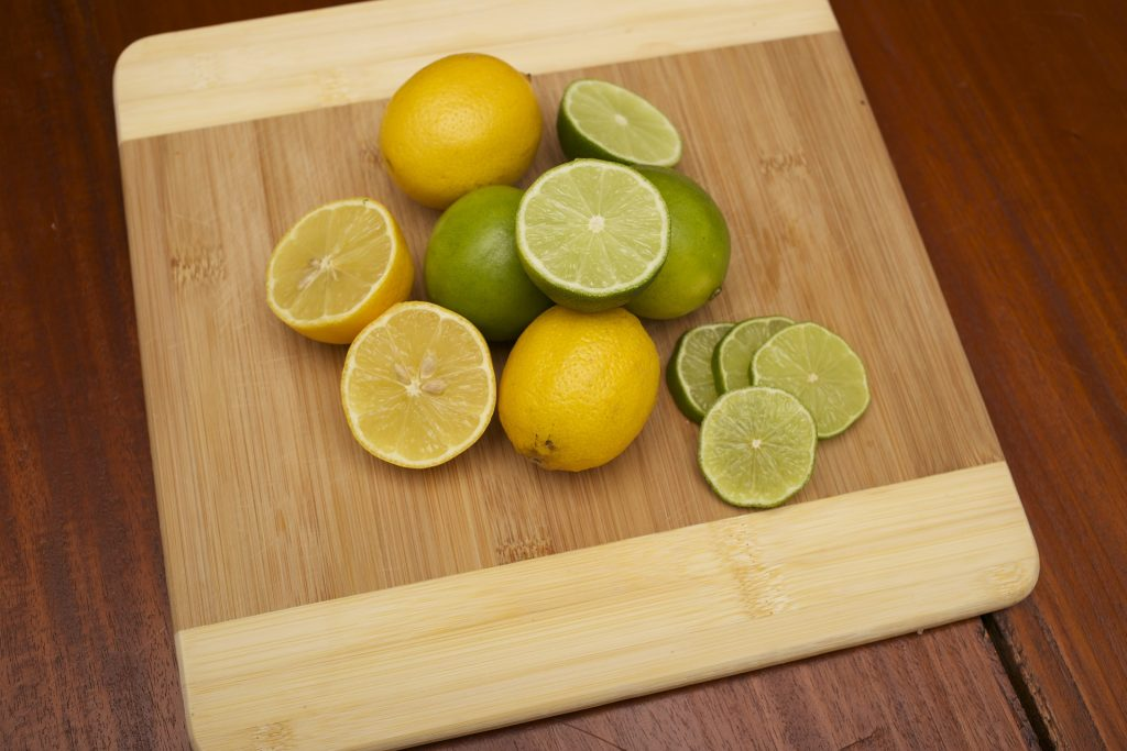 lemon-juice-to-remove-blemishes-from-face