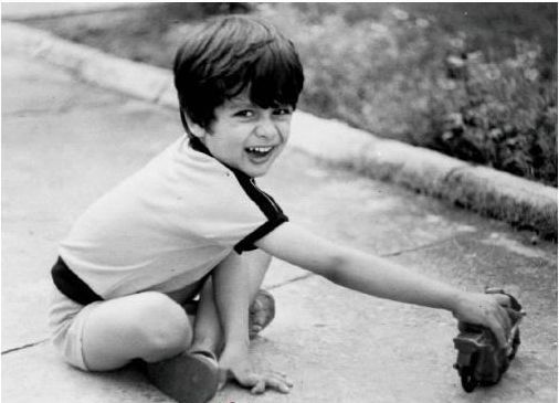 shahid-kapoor-childhood-photo
