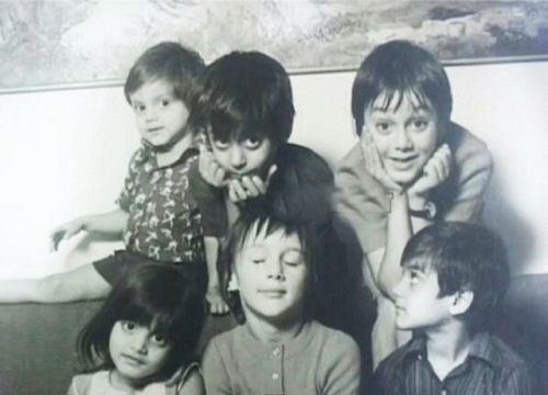 salman-khan-with-his-siblings