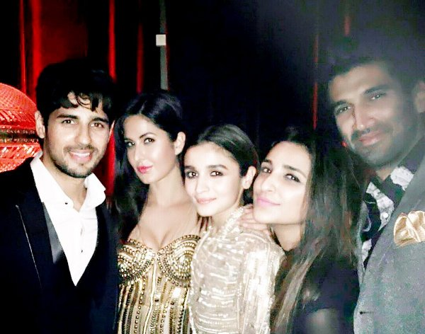 sidharth-malhotra-alia-bhatt-katrina-kaif-parineeti-chopra-aditya-roy-kapur-at-manish-malhotras-party