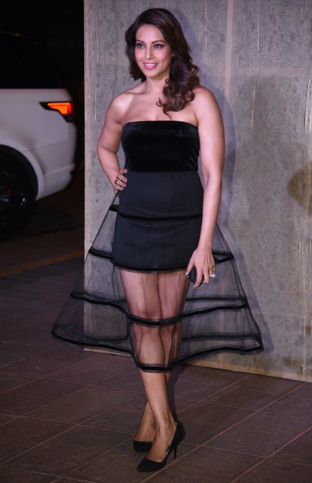 bipasha-basu-at-manish-malhortas-birthday-party