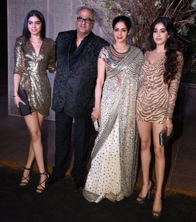 kapoor-family-at-the-manish-malhotras-birthday-bash
