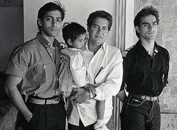 salman-khan-with-his-father-and-brother-arbaaz-khan