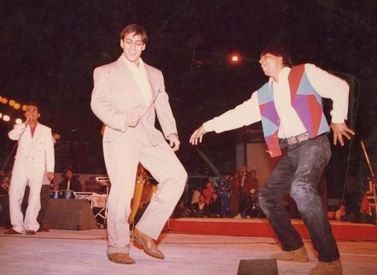 salman-khan-with-shahruk-khan-dancing