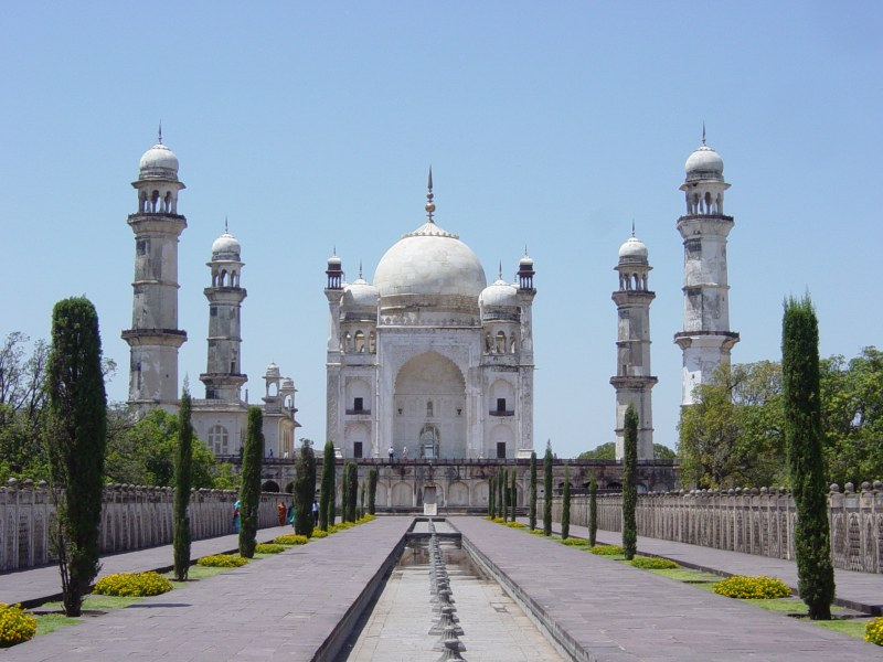 shree dwarawati bhaktiniwas shirdi review and tips to get