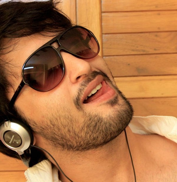 Facts about shaheer sheikh erica fernandez of kuch rang pyar ke the tv serial occupies most of his time but he does enjoy playing guitar during his free time 4 shaheer loves pizza and pasta reheart Gallery