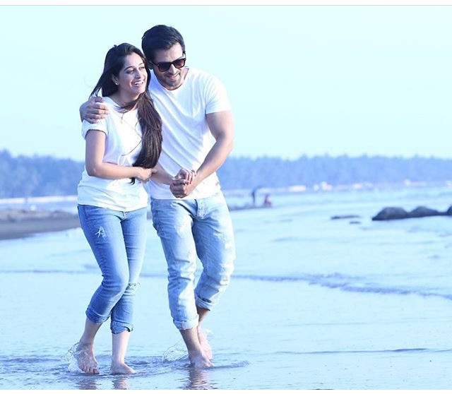Romantic Pictures Of Shoaib Ibrahim & Dipika Kakar