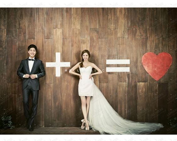Pre Wedding Gifts For Bride: Pre Wedding Photoshoot Poses Ideas For Every Couple Who Is