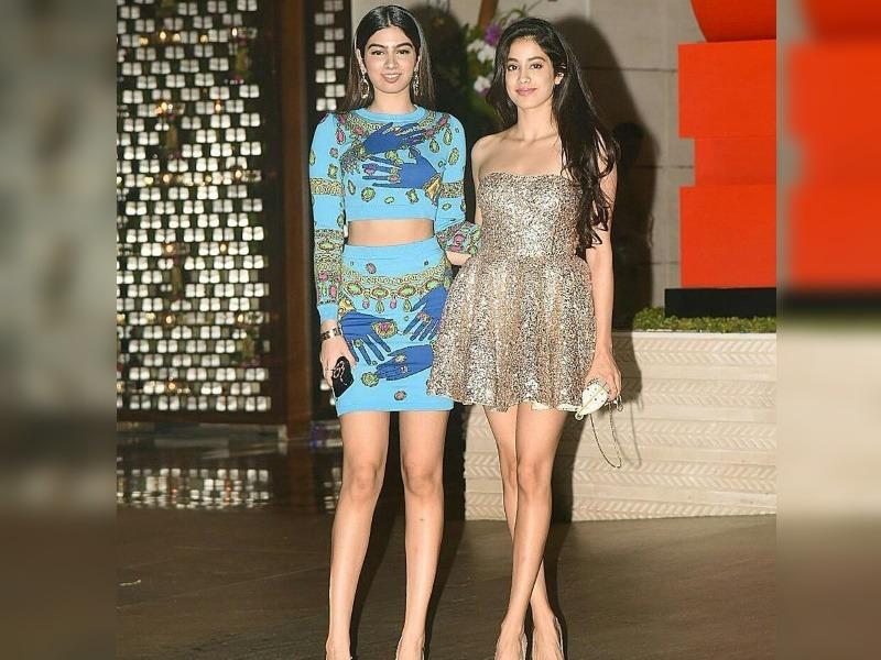 Jahnvi Kapoor with sister Khushi