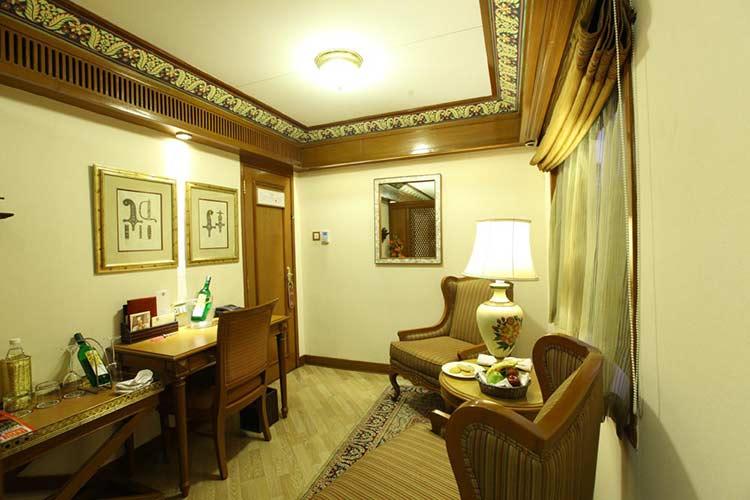 Deluxe Suite livingroom